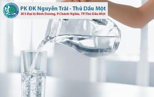 Uống nước mỗi ngày rất có ích cho cơ thể