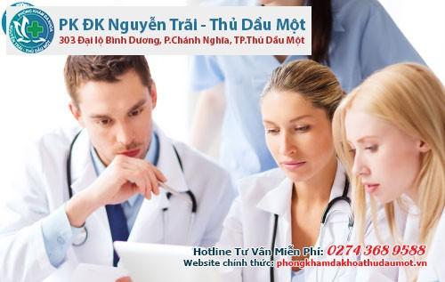 Các bác sĩ không ngừng trau dồi kiến thức y tế trong và ngoài nước