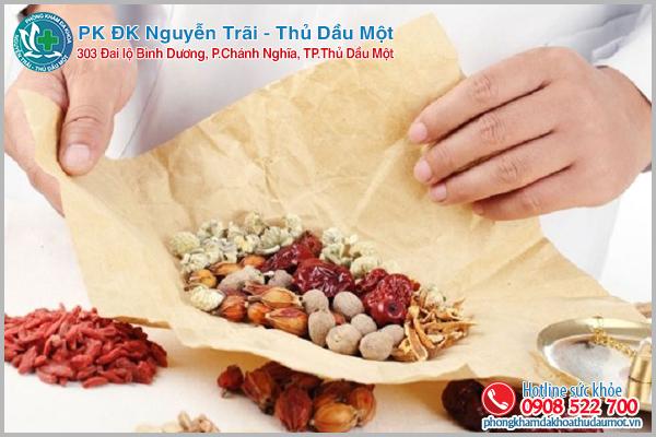 Lương y Nguyễn Hữu Toàn chữa vô sinh nổi tiếng mát tay ở
